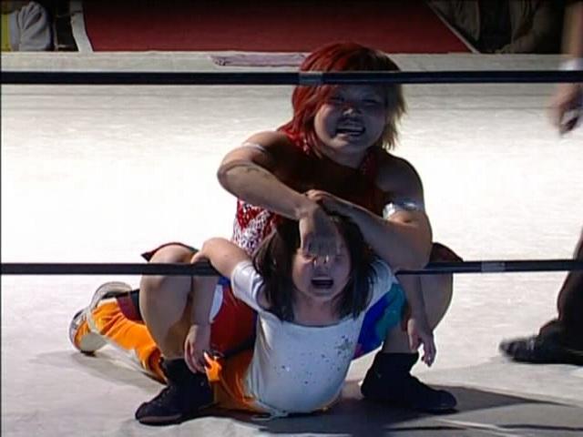 スターダム(女子プロレス)のdvdで鼻フックキャメルクラッチ
